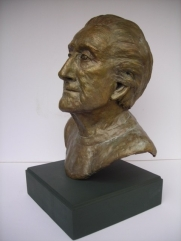 Life size bust of Norrie Woodhall by Jan Graham copyright
